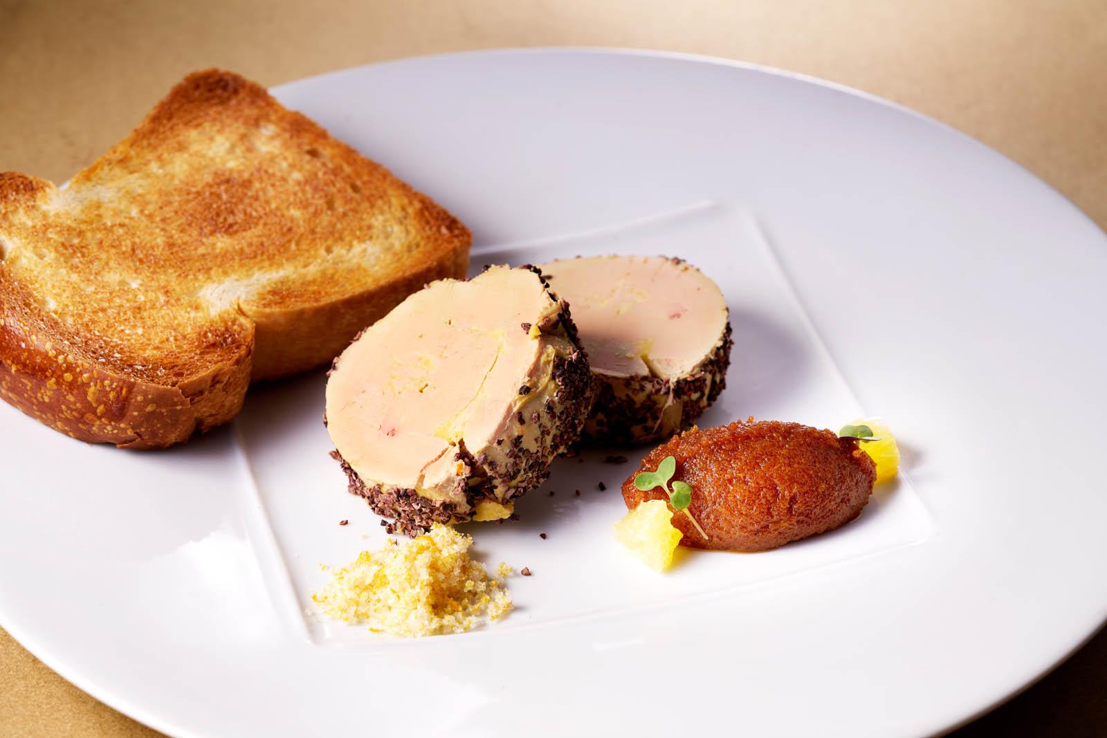 Foie gras, confit de kaki et brioche toastée